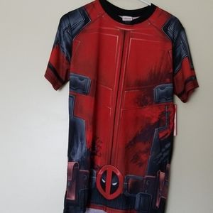 Men's Dedpool tshirt size small by Marvel